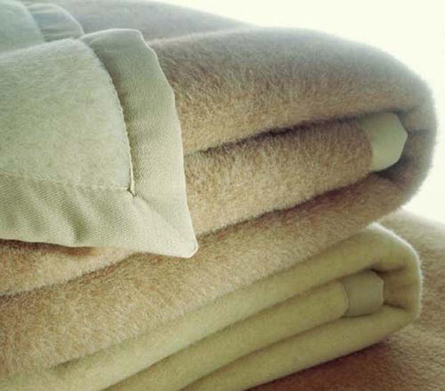 Lavaggio a secco ad idrocarburi lavanderia al duomo - Lavare tappeti in lavatrice ...