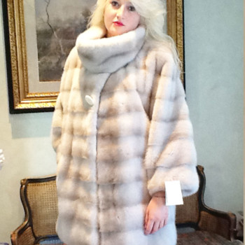 pelliccia-visone-ghiaccio-visone-maschio-pelle-intera-big